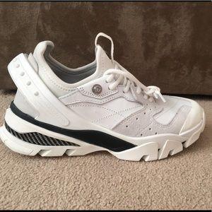 CALVIN KLEIN 205W39NYC  Carla 10 White Size 37/US7